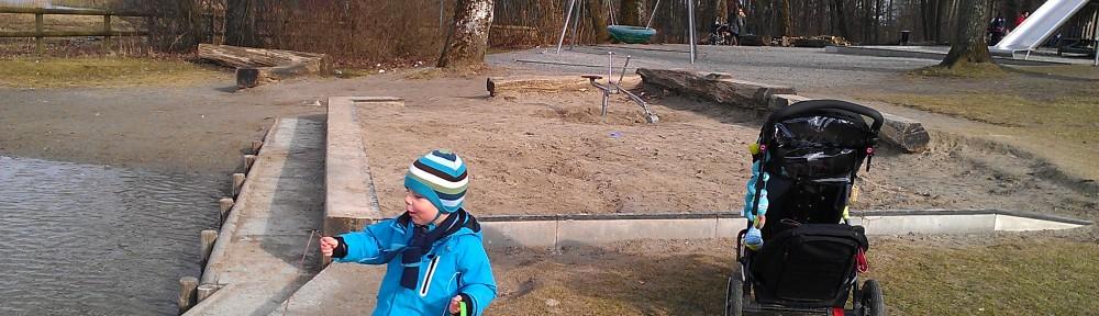 Waldspielplatz am See. Fünf Minuten von Zuhause.